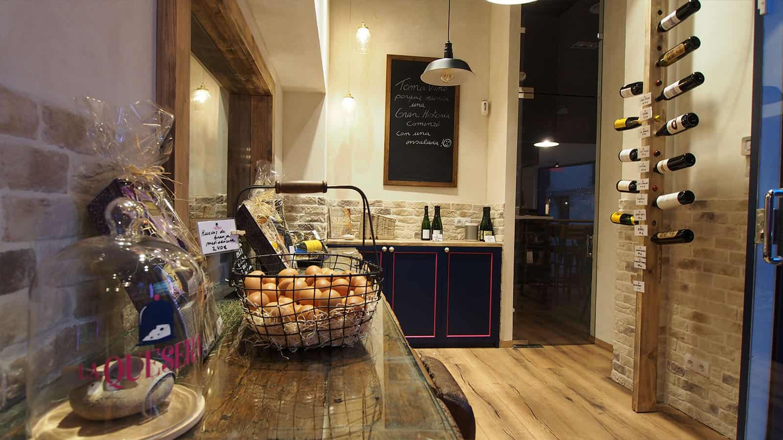 Rachelle, cocina-comedor en Sant Just Desvern. Glow Rehabilita.
